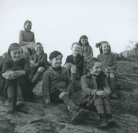 Photograph of 8 children from Ballineen School, Co Cork.