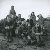 Photograph of 9 children from Ballineen School, Co Cork.