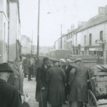 Photograph of mart day in a rural town [Kilkenny?]